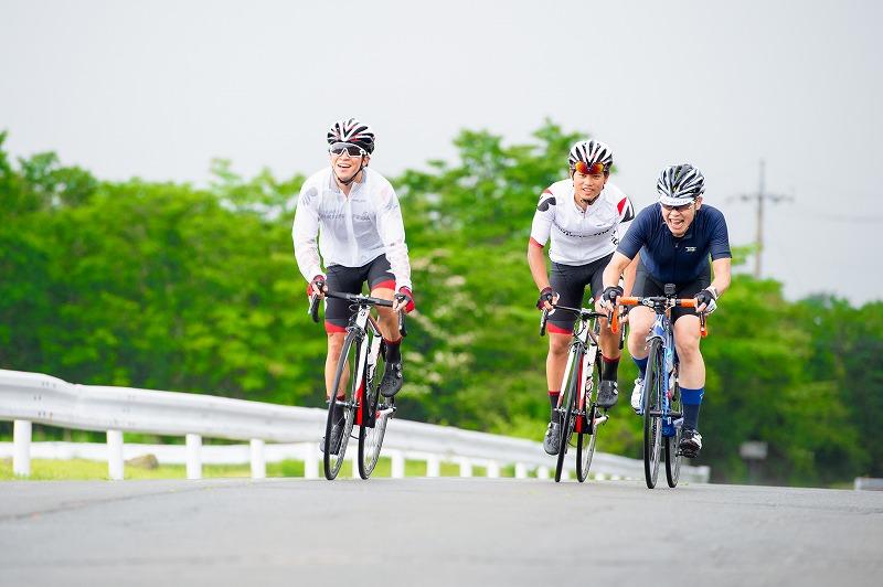 東京2020大会と同じコースで、サイクリストと一緒にヒルクライム